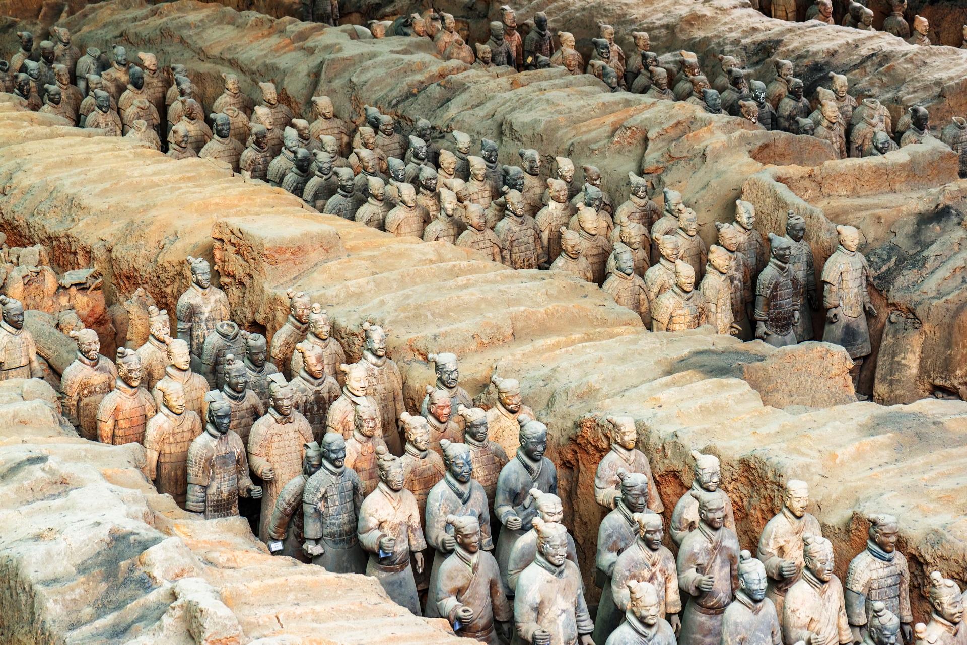 Die Hauptstadt der Provinz Shaanxi ist vor allem durch die Ausgrabung der Terrakotta-Armee bekannt.