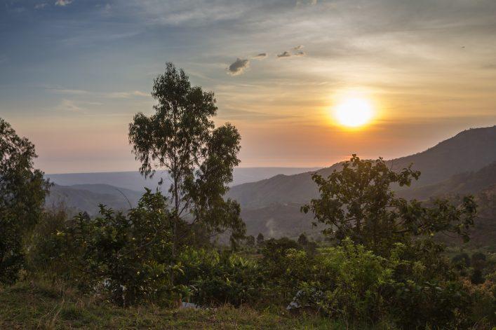 Burundi-sunset-shutterstock_289643042-707×471