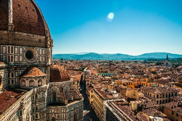 Die-Basilika-di-Santa-Maria-del-Fiore-Florenz-Italien-iStock_76426871_klein