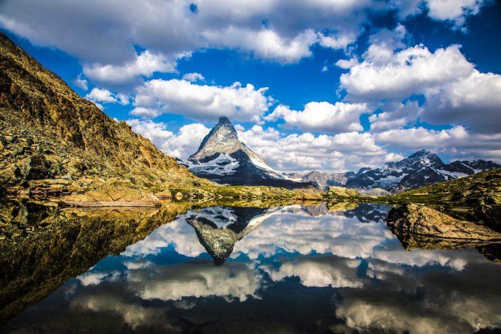 Die-schönsten-Bergseen-der-Schweiz-Riffelsee