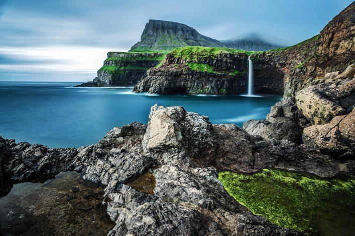 Wasserfälle auf der Insel Vagar