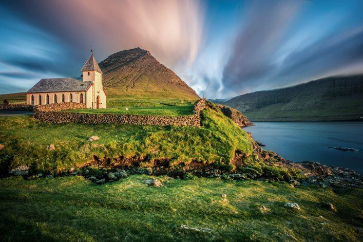 Erfahrt, was ihr über einen Urlaub auf den Färöer Inseln wissen müsst