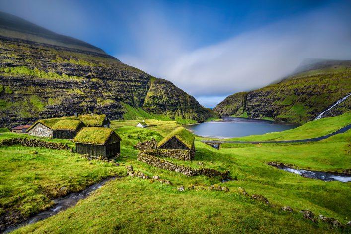 Streymoy bietet tolle Fjorde und einmalige Unterkünfte