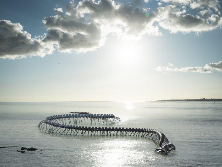 Huang Yong Ping, Serpent d'océan, Saint-Brévin-les-Pins (France), oeuvre du parcours Estuaire Nantes__Saint-Nazaire © Franck Tomps _ LVAN (1)