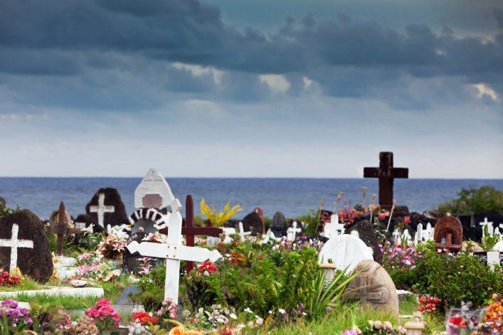 Gräber und Kreuze auf der Osterinsel