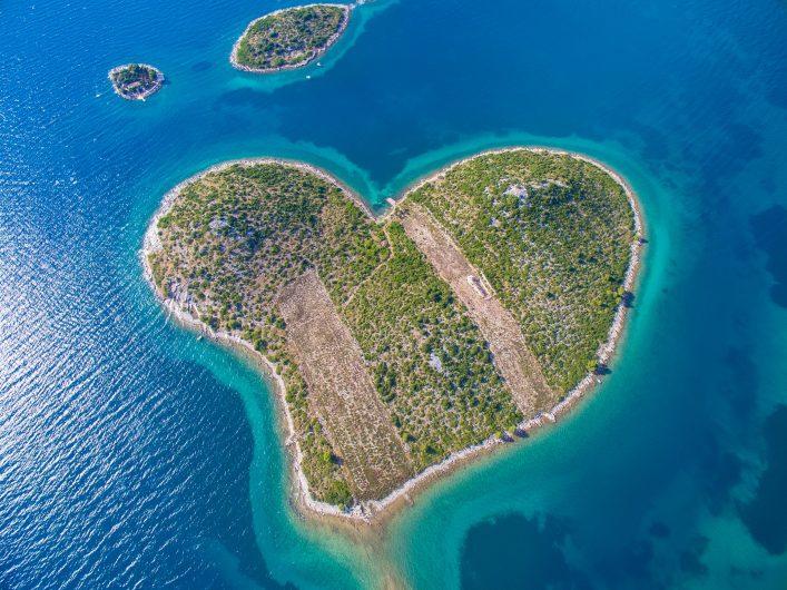 Die kroatische Insel Galešnja ist geformt wie ein Herz