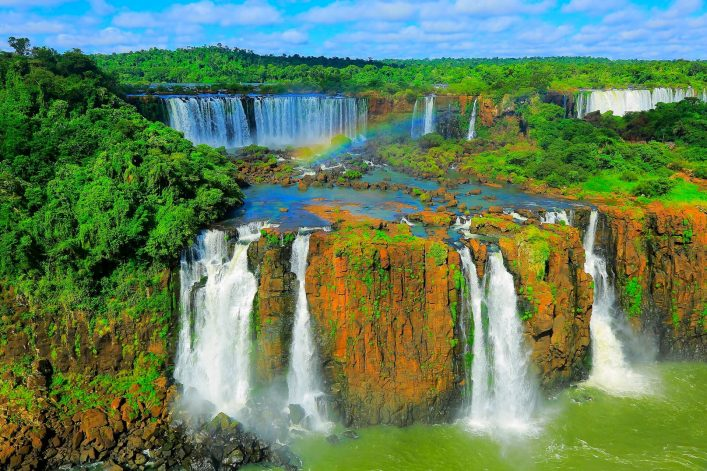 Die Iguazu Wasserfälle bieten ein wahres Naturspektakel