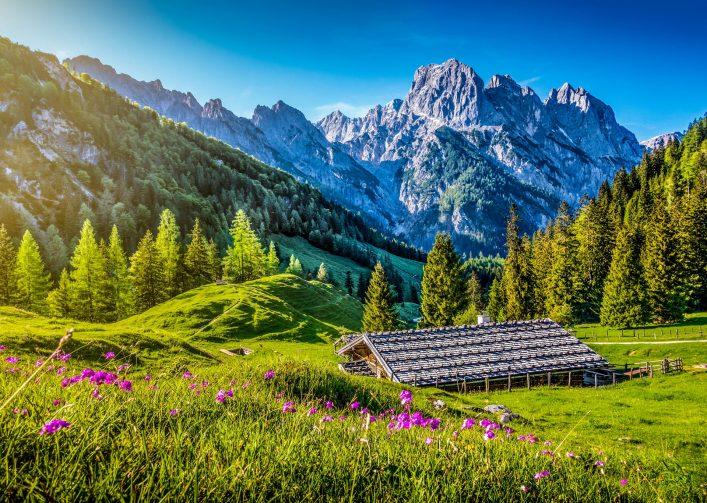 Bergütten in den Alpen sind wunderschön.