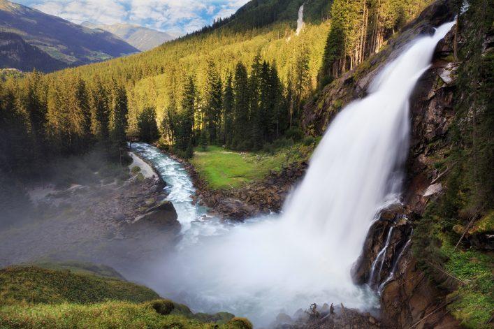 Krimml Wasserfälle sind die größten in Österreich.