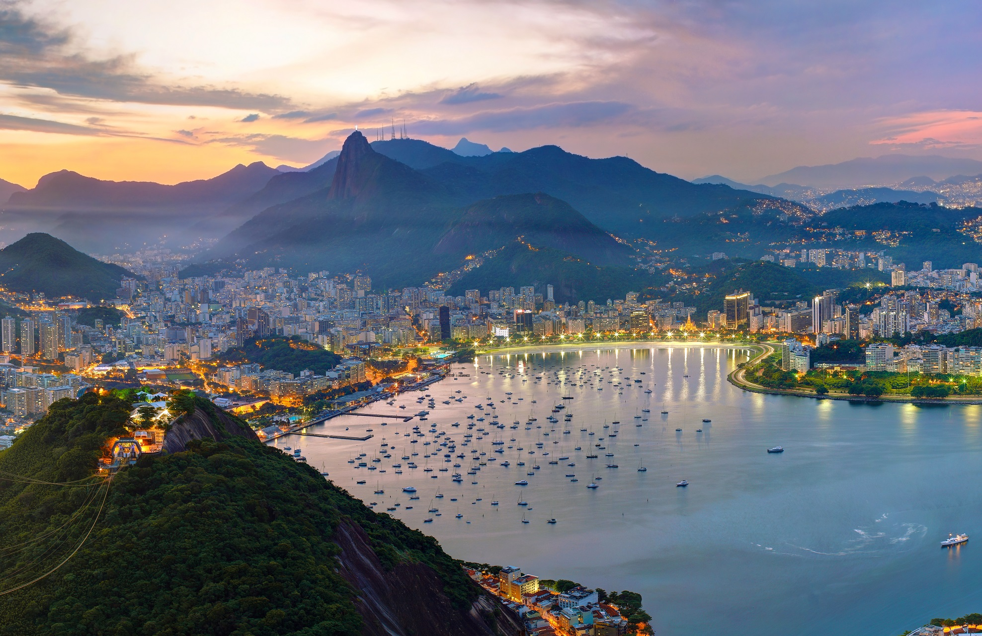 Genießt einen faszinierenden Ausblick über die Weltmetropole Rio de Janeiro in Brasilien