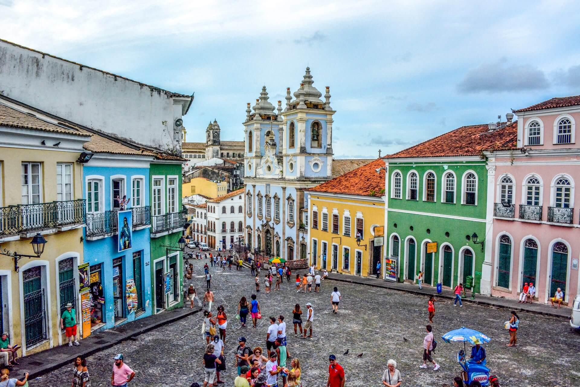 Die Altstadt in Salvador de Bahia ist bunt und lebendig