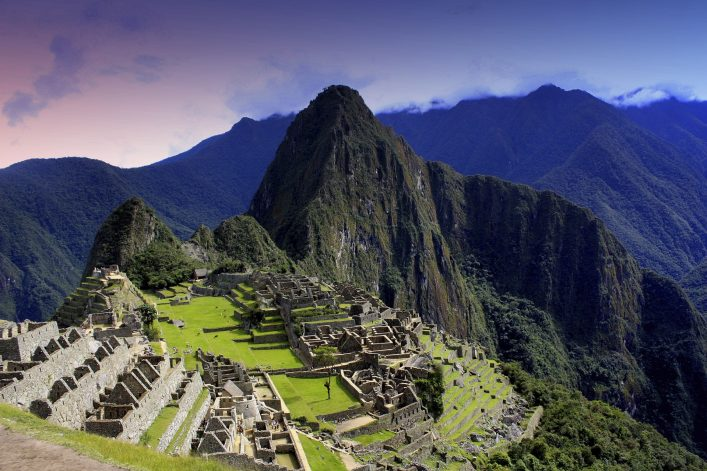 Marathonstrecken: Blick auf den Machu Picchu, eines der Sieben Weltwunder.