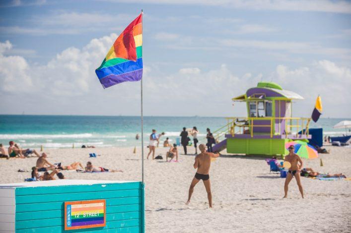 Ein schwulenfreundlicher Strand in Miami, Florida