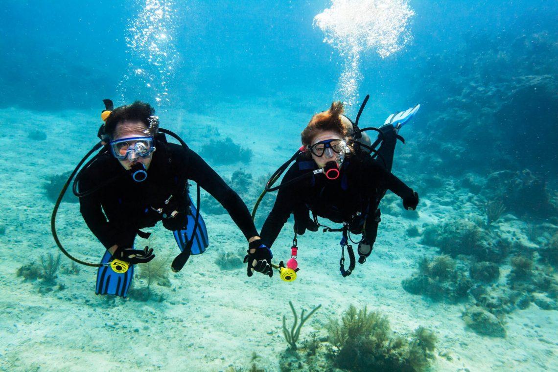 scuba-diving-buddy-istock_18592387_xlarge-2-e1526976987308