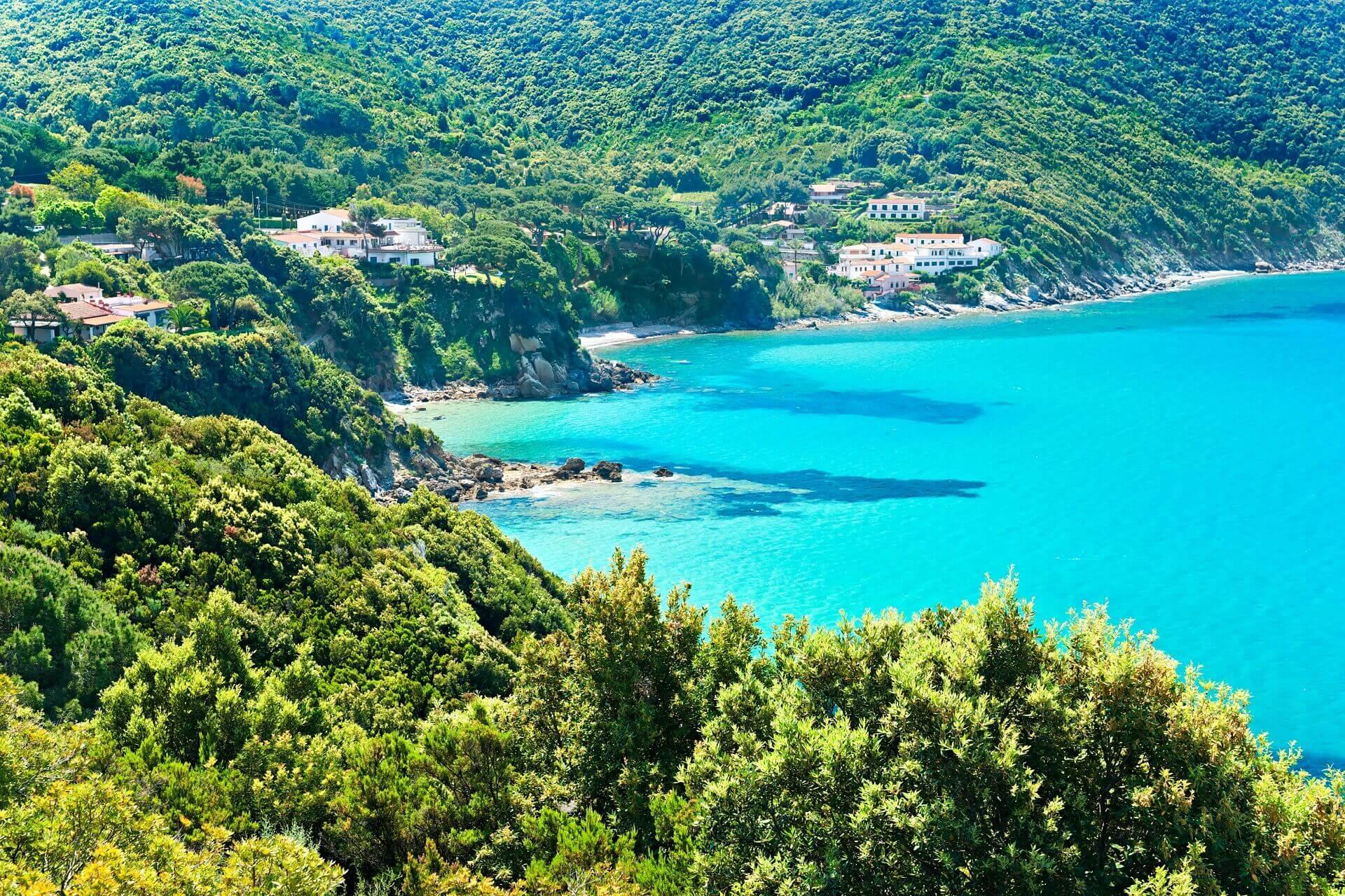 Die Strände von Elba bestechen mit ihrem klaren Wasser und tollen Küsten