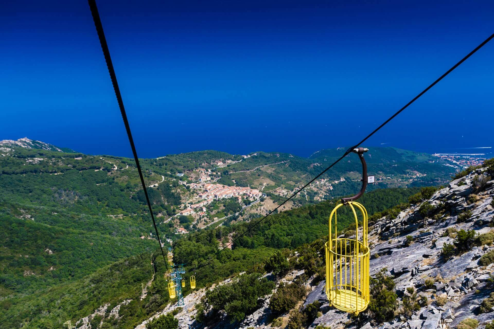 Die Kabelbahn auf den Berg von Elba ist ein echtes Highlight