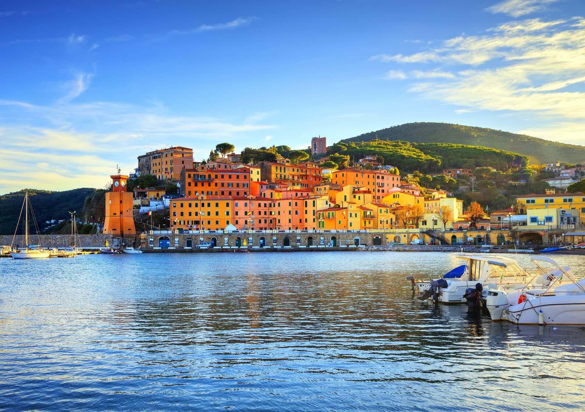 das Dorf Rio Marina auf Elba besticht mit seiner Architektur