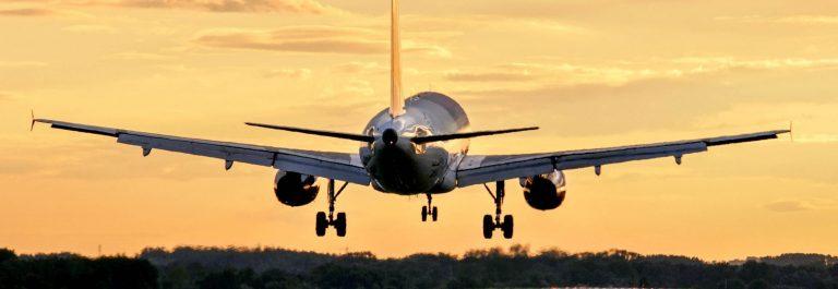 Flugzeug-Start-shutterstock_96390125-2-e1564641528122