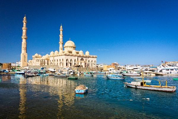 Moschee in Hurghada, in der insbesondere muslimische Feiertage in Ägypten gefeiert werden