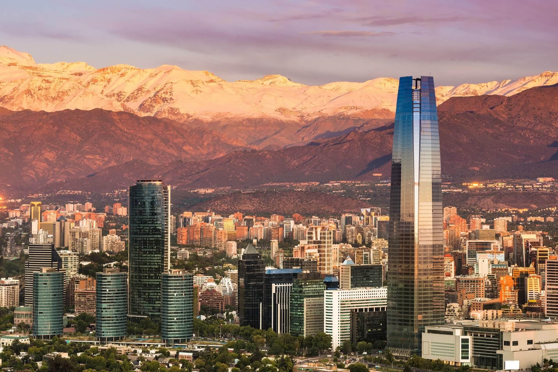 Santiago de Chile liefert euch eine fantastische Aussicht auf die Anden