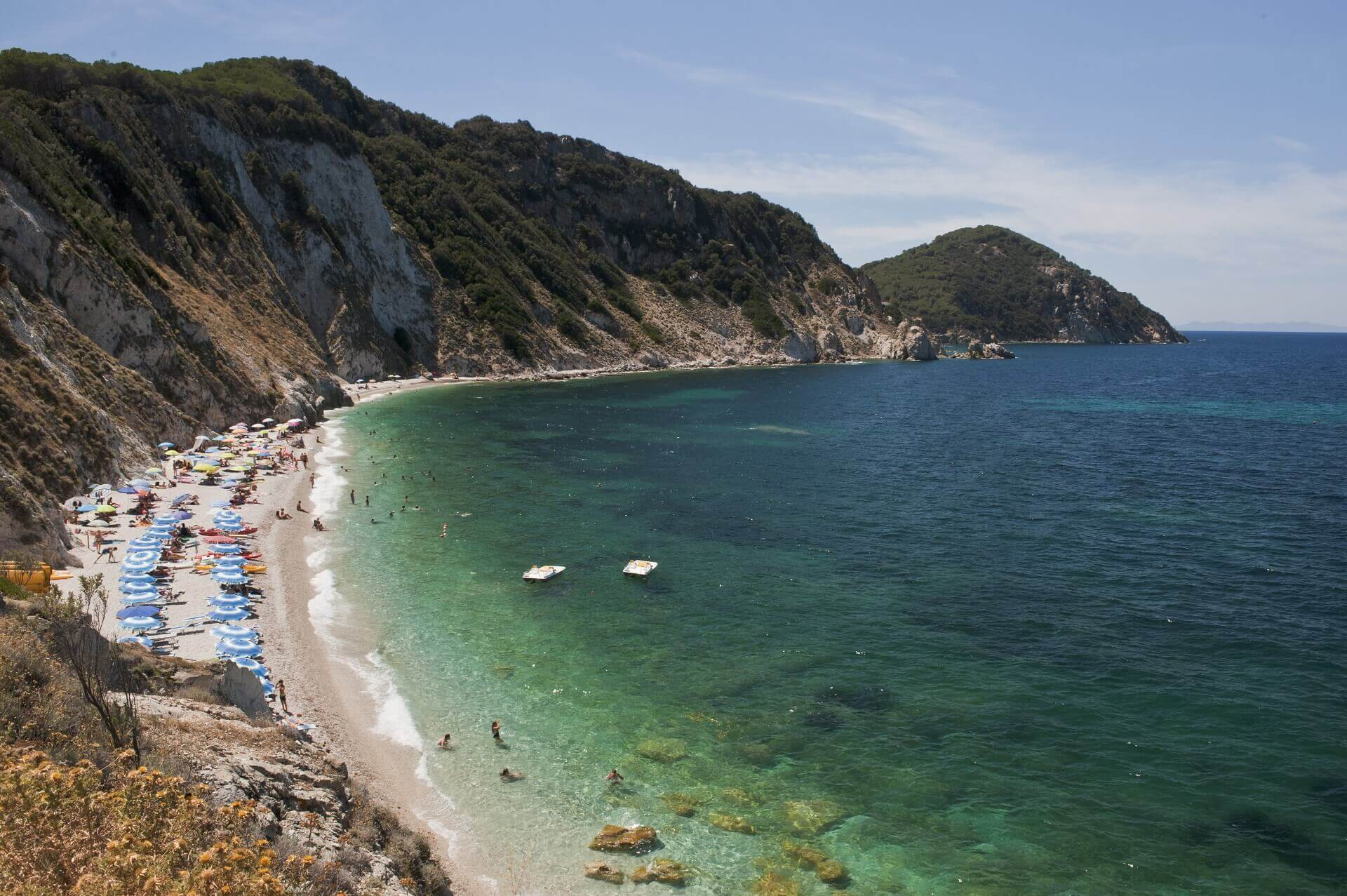 Der Strand von Sansone auf Elba ist gut für eine Erfrischung