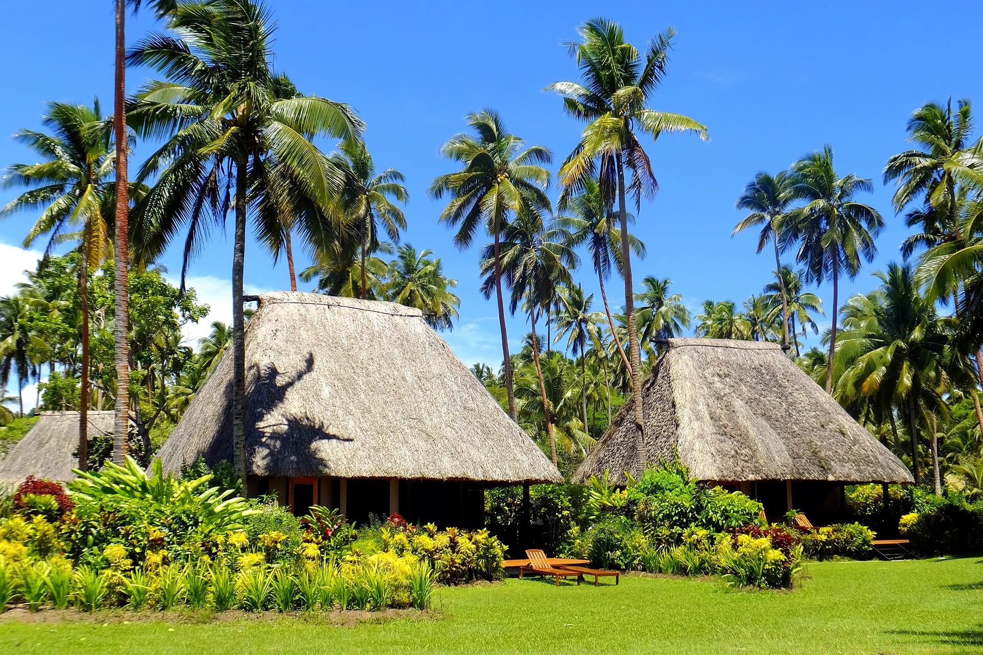 Die traditionellen Hütten auf den Fidschi Inseln