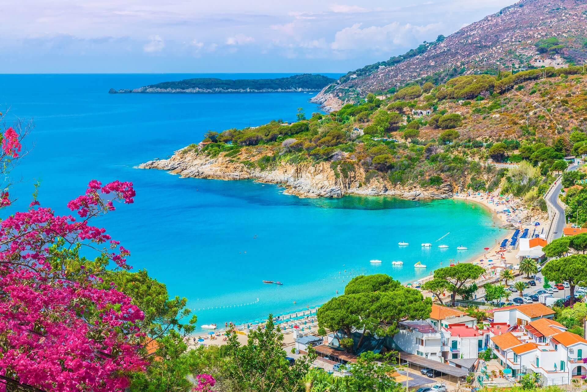 Die Sicht auf Cavoli Beach auf Elba ist wundervoll