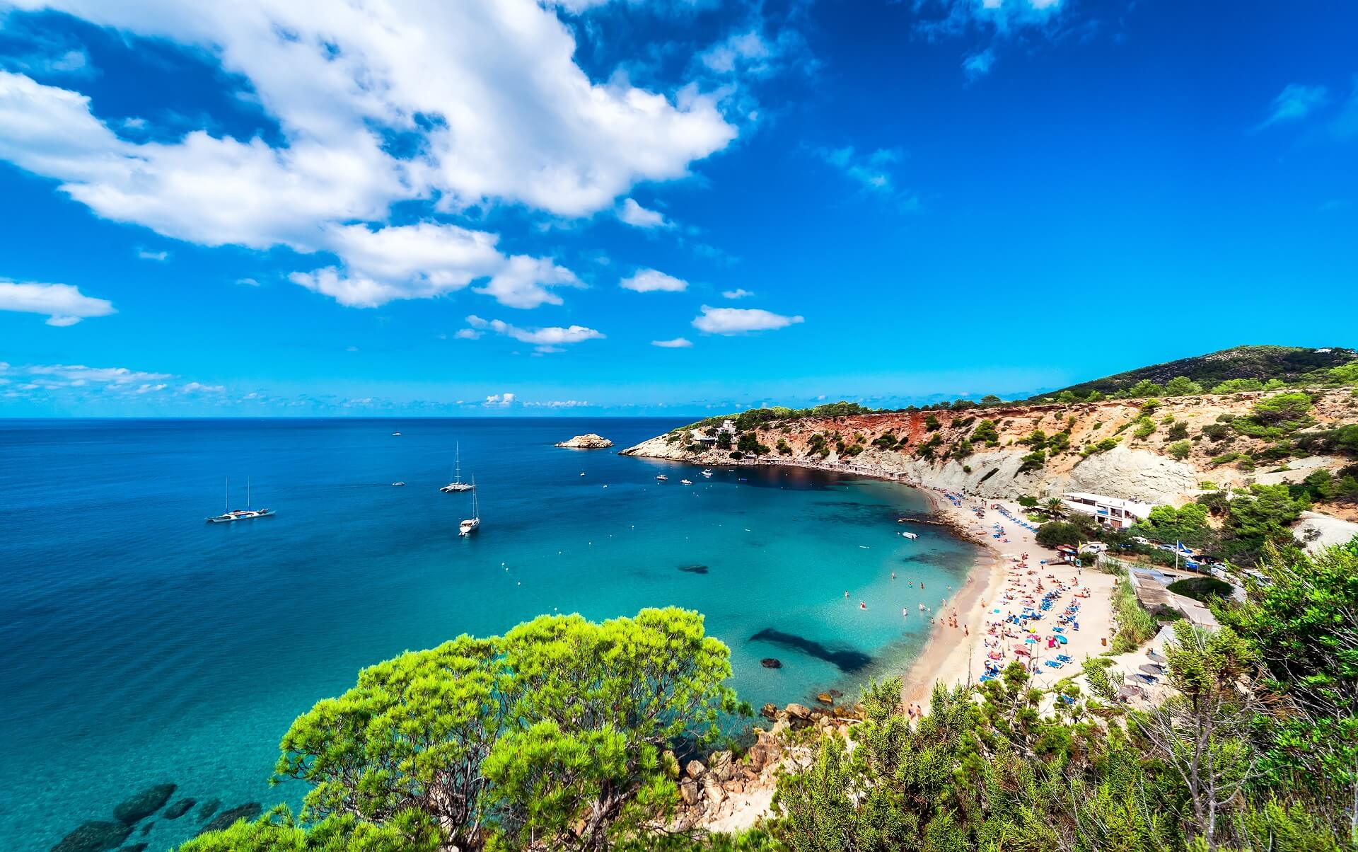Der Strand Cala d'Hort gehört zu den schönsten Stränden Ibizas