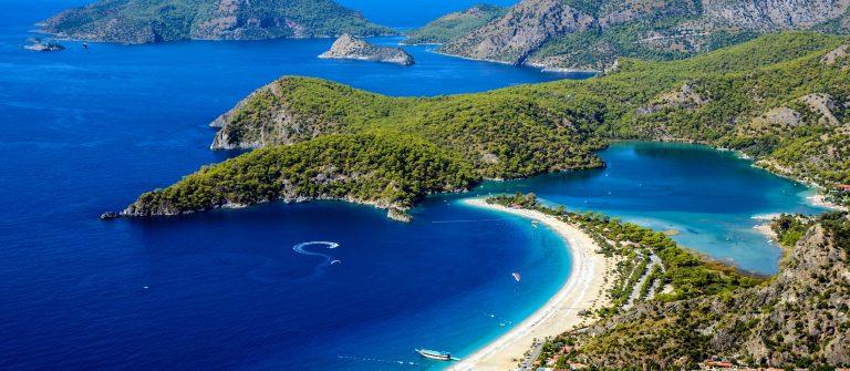 Blaue Lagune am Oludeniz Strand in der Türkei