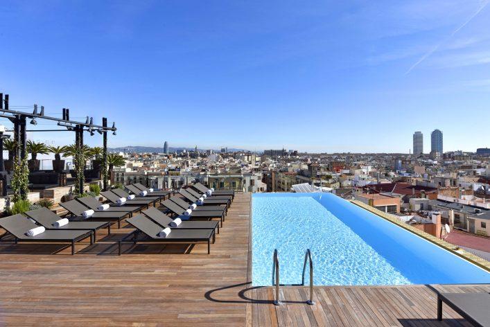 Rooftoppools sind in Barcelona im Sommer genau das Richtige