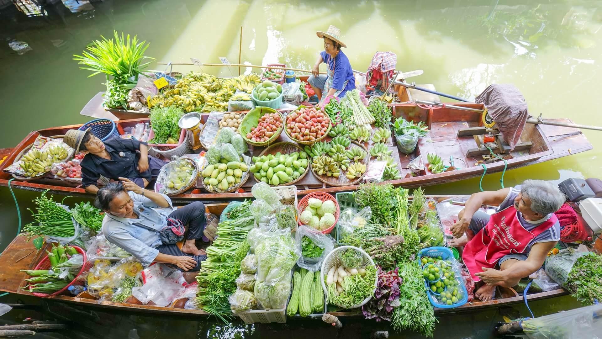 Auf den Floating Markets in Bangkok findet ihr alles was euer Herz begehrt