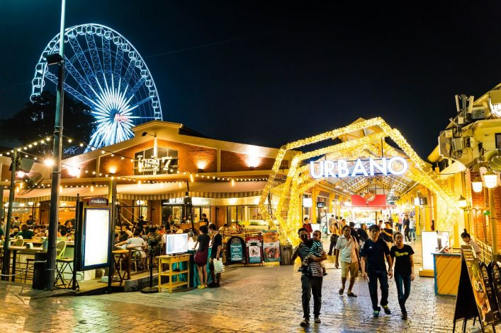 EDITORIAL-ONLY-gowithstock.-ASIATIQUE-The-Riverfront-the-most-popular-shopping-experiences-in-Bangkok-Thailand.-shutterstock_1010752756