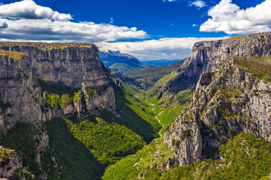 Aussicht auf die Vikos-Schlucht in Griechenland