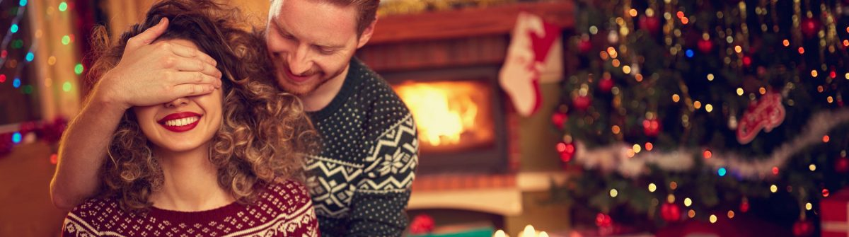 weihnachten-geschenke-paar