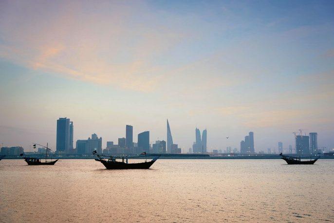 Bahrain-Inseln-vom-Wasser-iStock-186705156-1