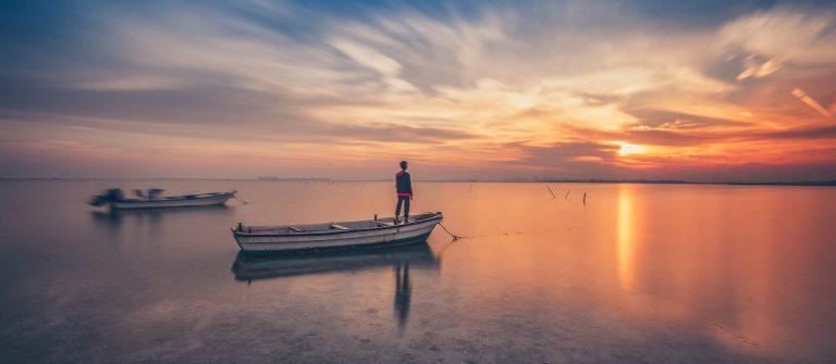 Bahrain-bei-Sonnenuntergang-shutterstock_735517354
