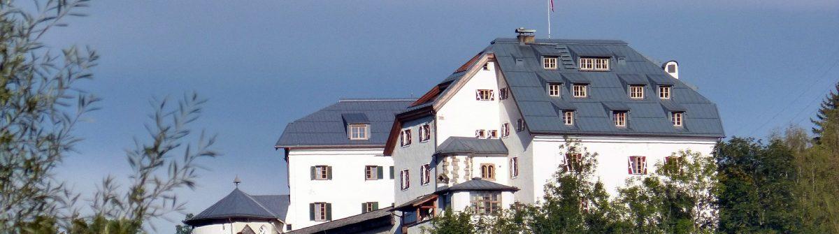 closed-mittersill-460326_1920