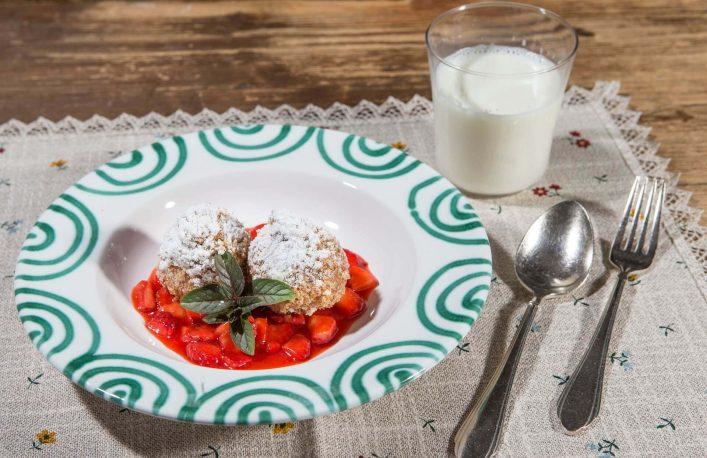 kulinarik-in-zell-am-see-kaprun-traditionelle-topfenkn_del-Zell-am-See-Kaprun-Tourismus-Faistauer-Photography-2