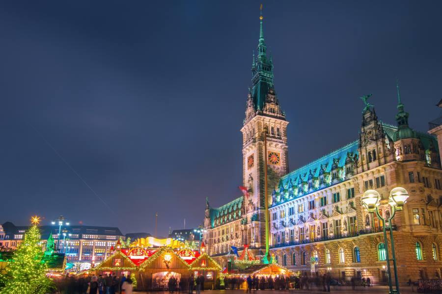 Weihnachtsmarkt am Rathausmarkt in Hamburg