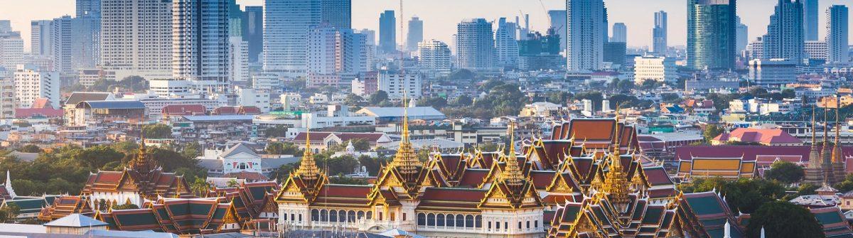 Sunrise-with-Grand-Palace-of-Bangkok-Thailand_shutterstock_300284237