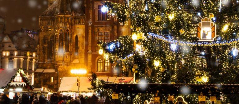 Weihnachts-Markt-in-Old-Town-square-Prag-iStock-503644594_min-1