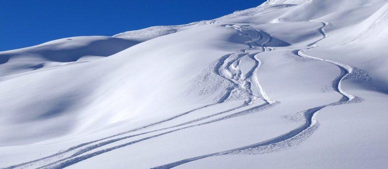 snow-1273379_1920-winter-schnee-ski