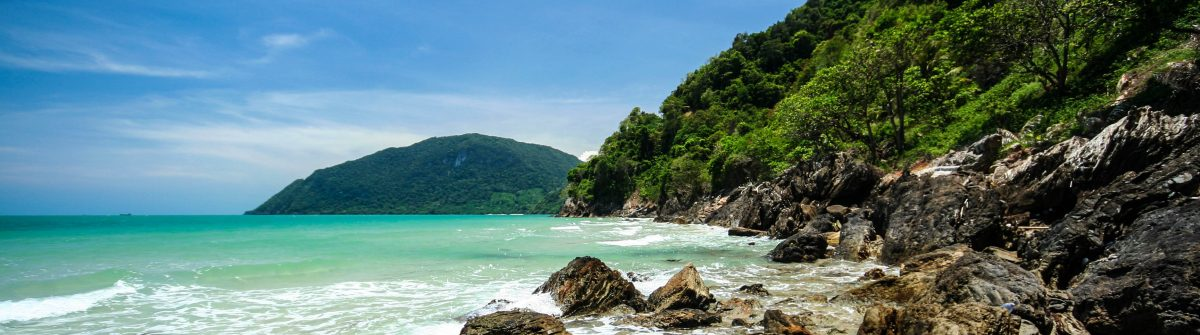the-rock-beach-in-khanom-bay-gulf-of-thailand-coast-nakhon-si-thammarat-province-shutterstock_64855279-2