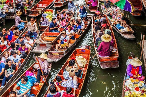 Schwimmende Märkte Thailand Touristen