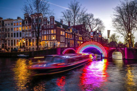 Amsterdam-Light-Festival-InnervisionArt-shutterstock_555880993