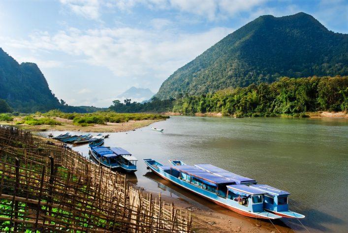 Muang-Ngoi-Boote-Laos-iStock-174936150