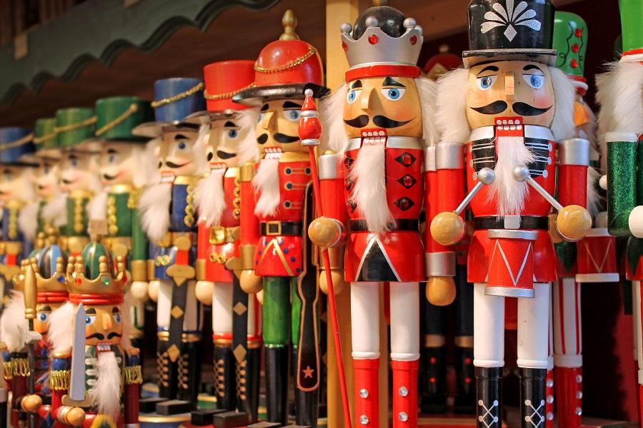 Nussknacker an einem Stand auf dem Weihnachtsmarkt am Bergisel