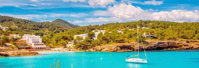 1920-600-Ibiza-Cala-de-Portinatx-iStock_000062653562_Large