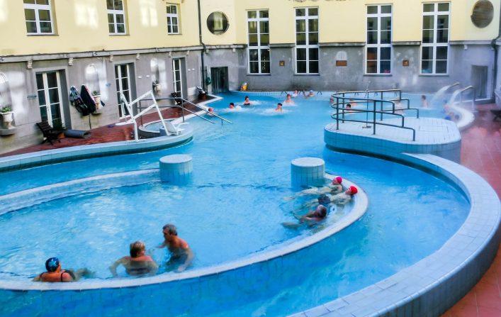 EDITORIAL-ONLY-Solarisys.-Tourists-enjoy-at-the-Lukacs-Bath-Bilder.-shutterstock_682411642