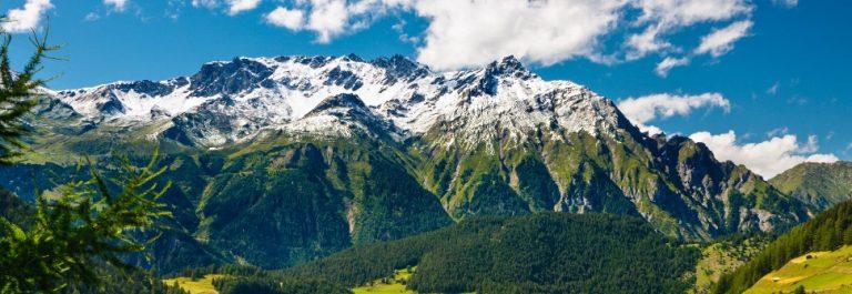Oesterreichische-Mountain-Landschaft-iStock_14092772_LARGE-2